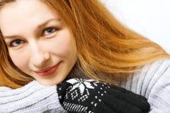 kvinna för vinter för handskestående nätt fotografering för bildbyråer