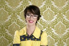 kvinna för wallpaper för 70-talnerdstående retro Fotografering för Bildbyråer