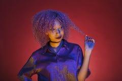 Kvinna från nineteensna som en symbol av elektronisk musik Arkivbild