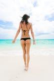 kvinna för strandbikinithong Royaltyfri Foto