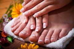 Kvinna franska manicure och pedicure Royaltyfria Foton