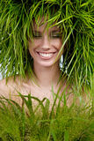Kvinna grönt begrepp Arkivbild