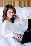 Kvinna hemma Royaltyfria Bilder