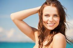 Kvinna, i att le för bikini royaltyfri fotografi