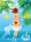 Kvinna i bikiniswimwear på den tropiska stranden med palmträdet Fotografering för Bildbyråer