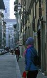 Kvinna i blått i Florence, Italien Royaltyfri Fotografi