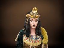 Kvinna i Cleopatra stil Royaltyfri Fotografi