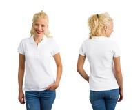 Kvinna i den vita skjortan för polo T arkivfoto