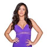 Kvinna i en purpurfärgad klänning Royaltyfri Bild