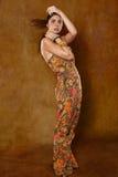 Kvinna i etnisk klänning royaltyfri foto