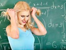 Kvinna i klassrum. Royaltyfri Fotografi