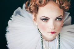 Kvinna i krås Fotografering för Bildbyråer