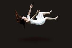 Kvinna i luft arkivfoton