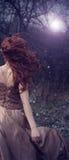 Kvinna i natten Royaltyfria Foton