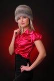 Kvinna i pälshatt Royaltyfri Fotografi