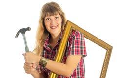Kvinna i processen av att renovera Arkivfoton
