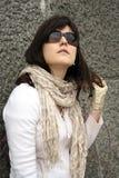 Kvinna i solglasögon Arkivfoto