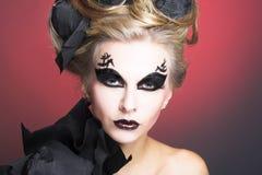 Kvinna i svart. Royaltyfria Bilder