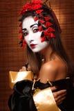 Kvinna i traditionell östlig dräkt fotografering för bildbyråer