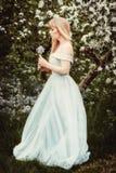 Kvinna i vårblomning Fotografering för Bildbyråer