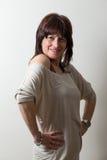 Kvinna med akimbo armar Arkivbilder