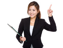 Kvinna med clipboarden Arkivfoto