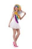 Kvinna med den isolerade färgglade peruken Arkivfoton