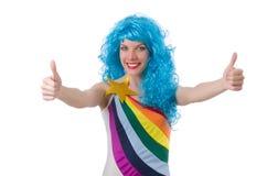 Kvinna med den isolerade färgglade peruken Royaltyfri Fotografi