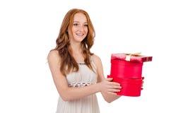 Kvinna med den isolerade gåvaasken Royaltyfri Bild