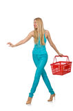 Kvinna med den isolerade shoppingkorgen Arkivfoton