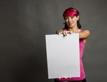 Kvinna med det blanka tecknet Royaltyfri Foto