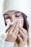 Kvinna med en förkylning Fotografering för Bildbyråer