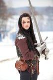 Kvinna med ett svärd Royaltyfri Foto