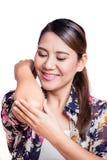 Kvinna med gemensam inflammation Kvinnligs armbåge Royaltyfri Foto