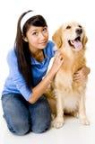 Kvinna med hunden Arkivbild