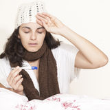 Kvinna med huvudvärk Arkivfoto