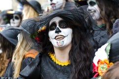Kvinna med karnevalmakeup Royaltyfri Foto