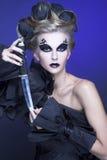 Kvinna med kniven Arkivfoton