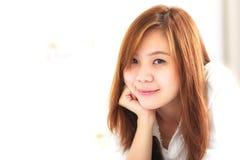 Kvinna med leende Arkivfoto