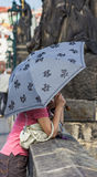 Kvinna med paraplyet Royaltyfri Fotografi