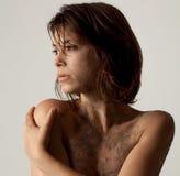 Kvinna med smuts arkivfoto