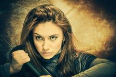 Kvinna med svärd Royaltyfri Fotografi