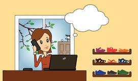 Kvinna med telefonen och anteckningsboken Royaltyfri Foto