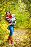 Kvinna med terriern royaltyfria foton