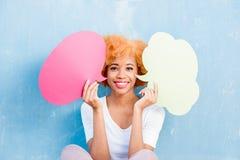 Kvinna med thoughful bubblor Royaltyfria Bilder