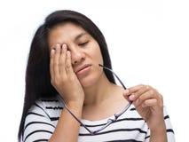Kvinna med trötta ögon Royaltyfria Bilder