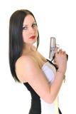 Kvinna med vapnet Arkivbilder