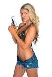 Kvinna med vapnet Royaltyfria Bilder