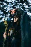 Kvinna-medicinman med horn Arkivbilder