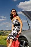 Kvinna och bilolyckan Royaltyfria Bilder